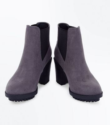 Wide Fit Grey Suedette Heeled Chelsea Boots New Look