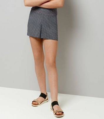 Teens Black Gingham Shorts New Look