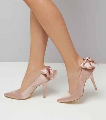 Shell Pink Satin Bow Back Court Heels New Look