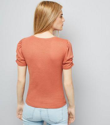 Light Brown Ruched Sleeve T-Shirt New Look