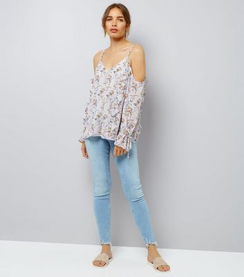 Grey Chiffon Floral Print Cold Shoulder Top New Look