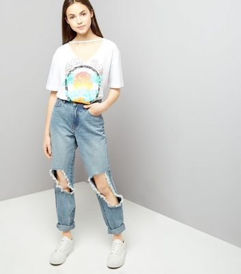 Teens White Choker Neck Ocean Beach Boyfriend T-Shirt New Look