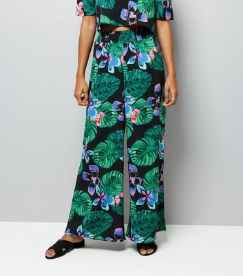 Petite Black Tropical Print Wide Leg Trousers New Look