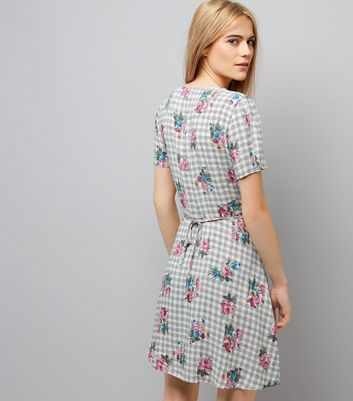 White Floral Print Short Sleeve Dress New Look