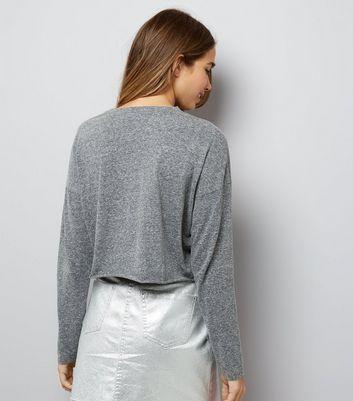 grey-raw-hem-long-sleeve-crop-top