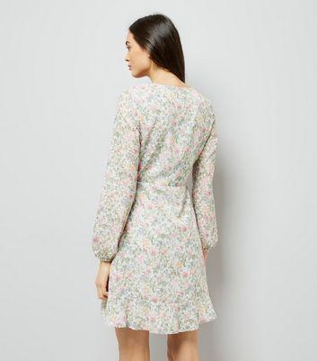 Grey Floral Print Wrap Front Tea Dress New Look