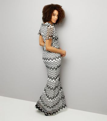 Mela Black Zig Zag Print Maxi Dress New Look