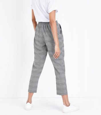 Black Check Tapered Trousers New Look