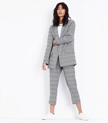 Grey Check Contrast Cuff Blazer New Look