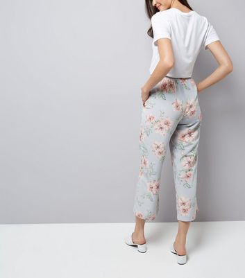 Pale Blue Floral Print Cropped Trousers New Look