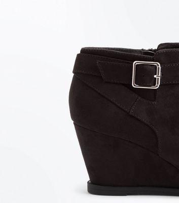 Teens Black Suedette Wedge boots New Look