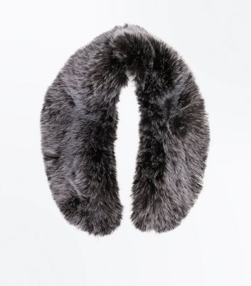Pale Grey Faux Fur Collar New Look