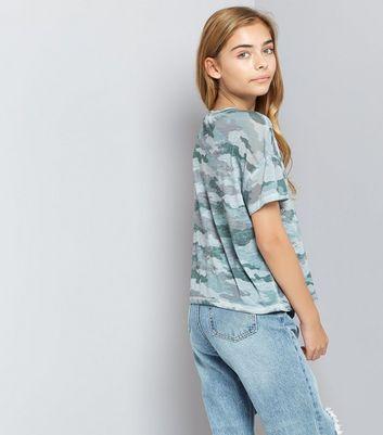Teens Green Camo Floral Puff Print T-Shirt New Look
