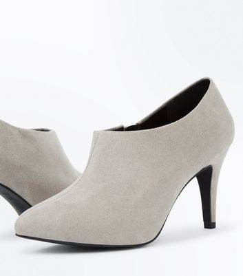 Wide Fit Grey Suedette Heeled Shoe Boots New Look