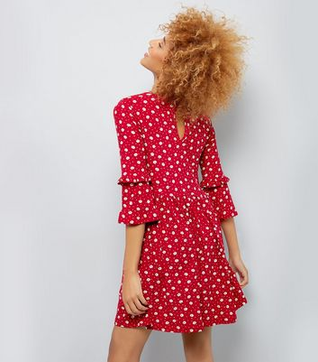 Red Floral Print Frill Sleeve Smock Dress New Look