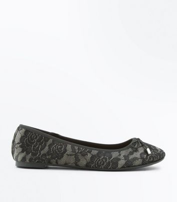 Black Velvet Lace Ballet Pumps New Look