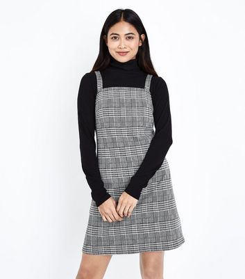 Petite Black Prince of Wales Check Pinafore Dress New Look