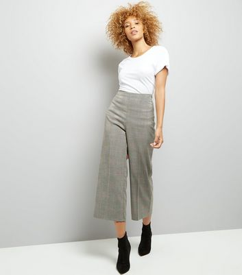 Black Check Cropped Trousers New Look