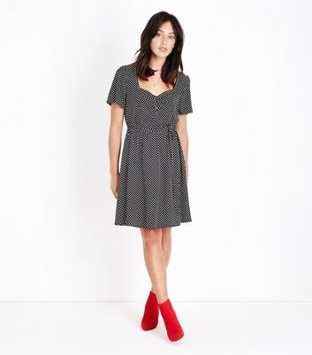 Tall Black Polka Dot Sweatheart Neck Dress New Look
