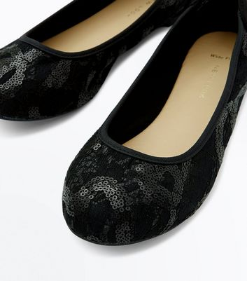 Wide Fit Black Sequin Lace Ballerina Pumps New Look
