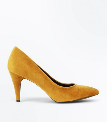 Mustard Yellow Crushed Velvet Pointed Court Shoes New Look