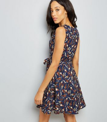 Mela Navy Feather Print Dress New Look