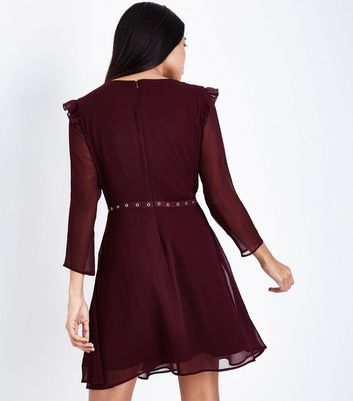 Petite Burgundy Eyelet Waist Crepe Mini Dress New Look