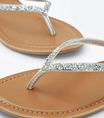 silver-embellished-toe-post-sandals