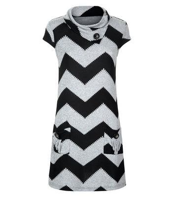 Mela Black Zig Zag Print Dress New Look