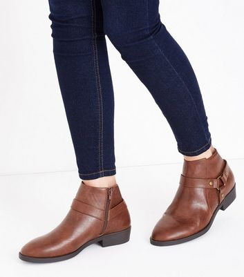 Tan Stirrup Side Low Heel Ankle Boots New Look