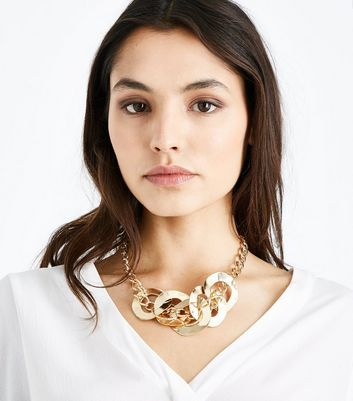 Gold Chunky Circle Link Necklace New Look