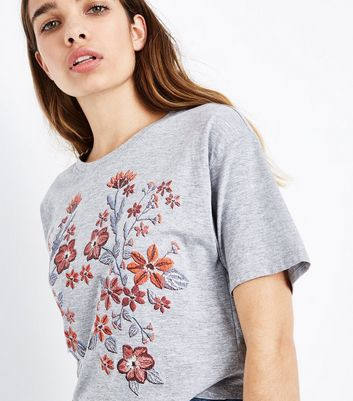 Grey Floral Puff Print CroppedT-Shirt New Look