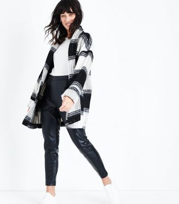 Tall Black Brushed Check Kimono Coat New Look