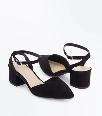 Wide Fit Black Suedette V Front Pointed Courts New Look