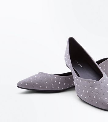 Grey Suedette Studded V Front Pointed Pumps New Look