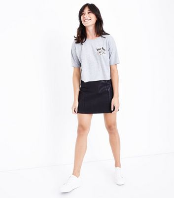 Grey Kiss Kiss Logo Cropped T-Shirt New Look