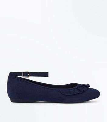 Wide Fit Navy Suedette Frill Trim Pumps New Look