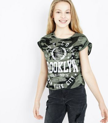 Teens Green Camo Brooklyn Print T-Shirt New Look