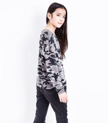 Teens Green Camo Print Sweatshirt New Look