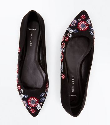 Wide Fit Black Suedette Floral Embroidered Pointed Pumps New Look