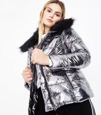Urban Bliss Silver Metallic Faux Fur Trim Puffer Jacket New Look
