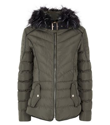 QED Green Quilted Faux Fur Hood Trim Puffer Jacket New Look