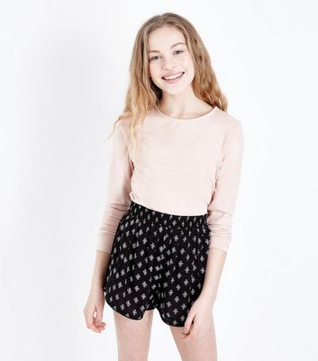 Girls Black Tile Print Pom Pom Hem Shorts