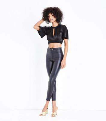 Black Metallic Plisse Keyhole Crop Top New Look