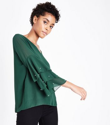 Cameo Rose Green Tiered Pearl Sleeve Blouse New Look