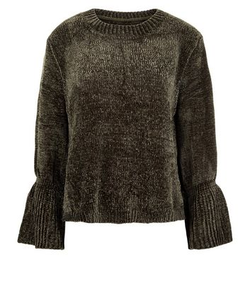 QED Green Chenille Bell Sleeve Jumper New Look