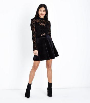 Petite Black Velvet Skater Skirt New Look