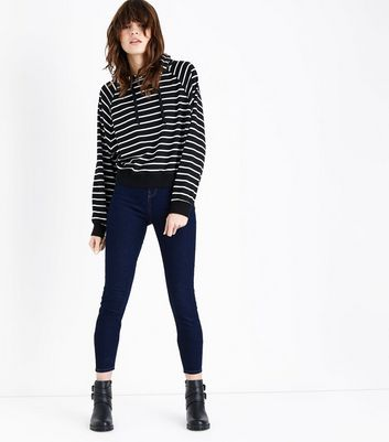 Black Stripe Cropped Raglan Sleeve Hoodie New Look