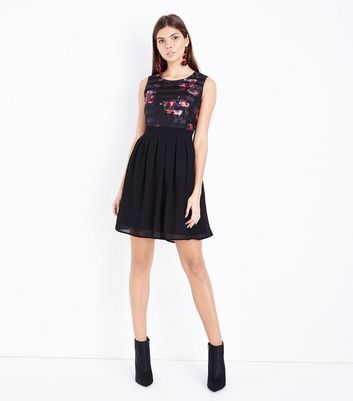 Apricot Black Floral Stripe Pleated Dress New Look