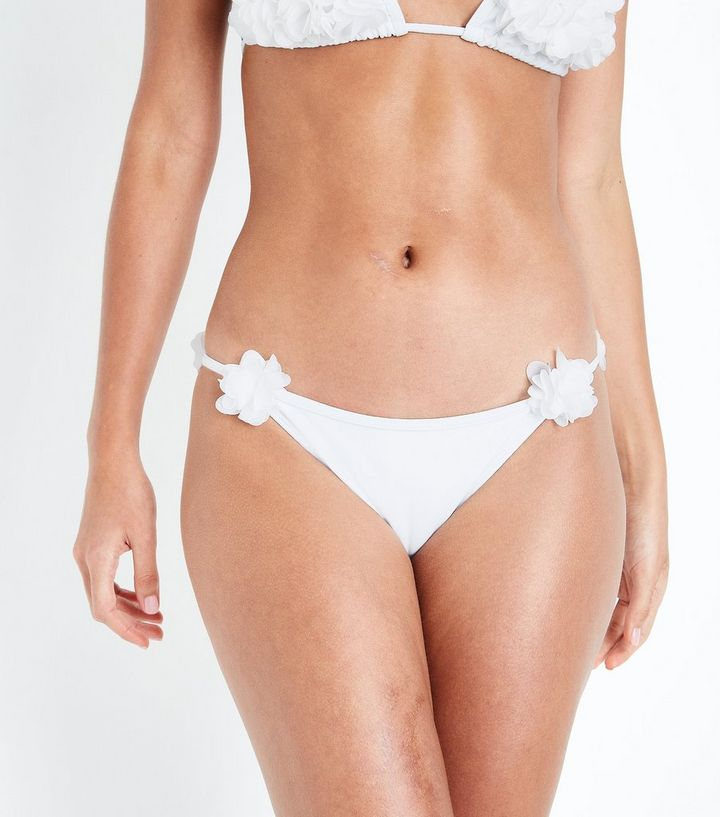 new release quality products later Bas de bikini blanc triangle à fleurs en 3D Ajouter à la Wishlist Supprimer  de la Wishlist